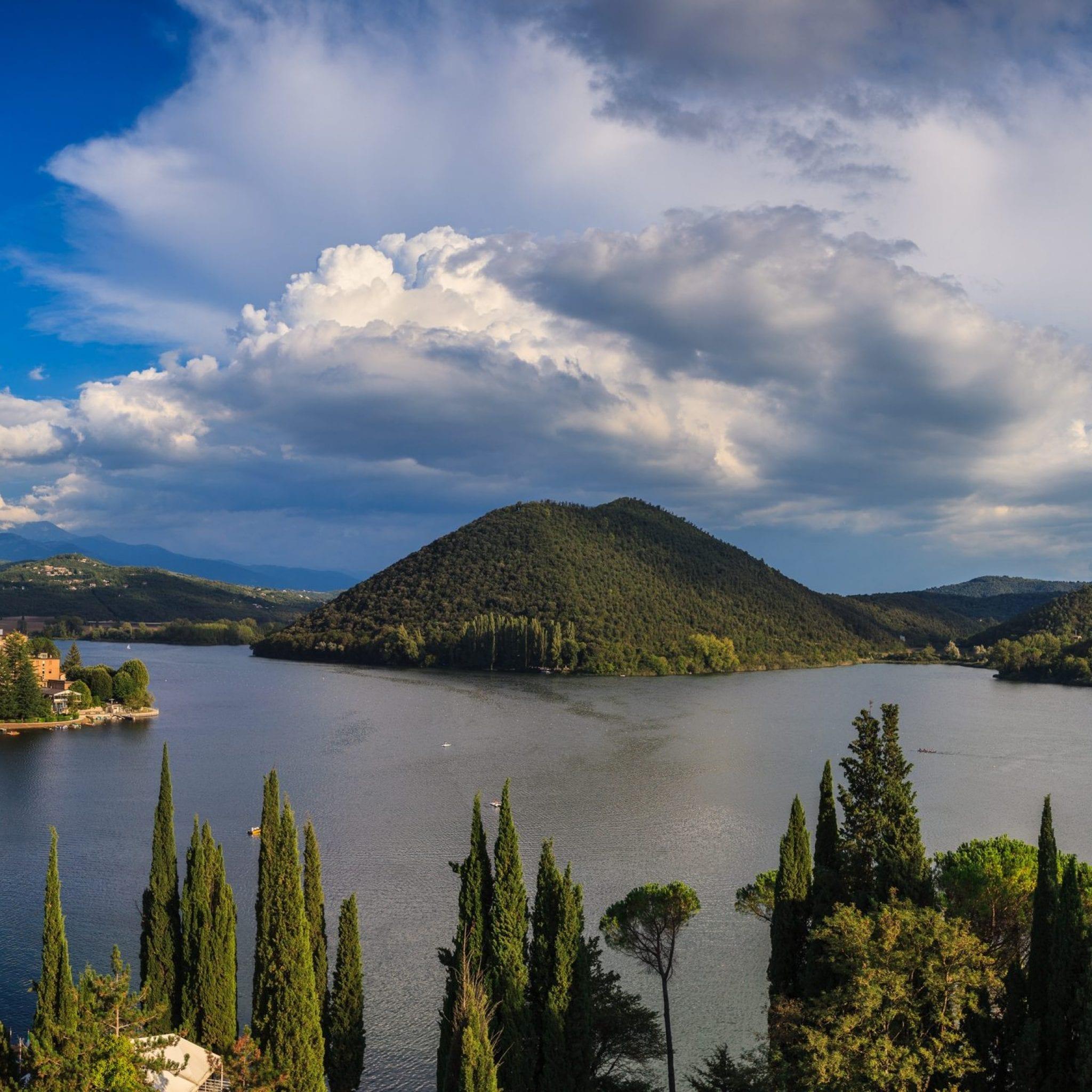 Lago di Piediluco panoramica 1